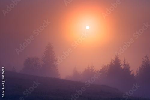 Foto op Plexiglas Crimson Valley with rising sun in a sky