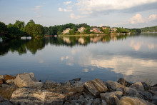 Perfect Lakefront Houses On Atlanta Suburbs