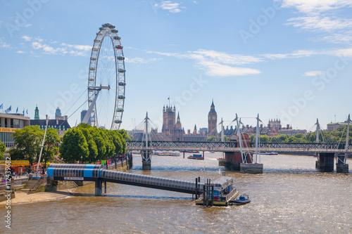 Fotografia Centre of London view from the London bridge