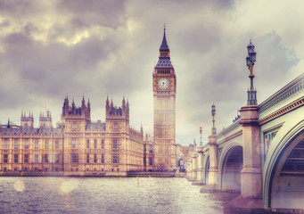 Fototapeta samoprzylepna Big Ben and Houses of Parliament, vanilla vintage effect image