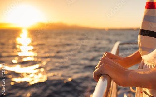 Canvas Print Sailing away into the sunset.