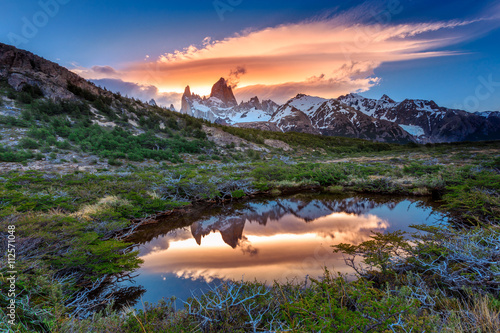 Spoed Fotobehang Buenos Aires Reflection of Mt Fitz Roy in the water, Los Glaciares National Park, Argentina