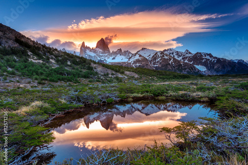 Valokuva  Reflection of Mt Fitz Roy in the water, Los Glaciares National Park, Argentina