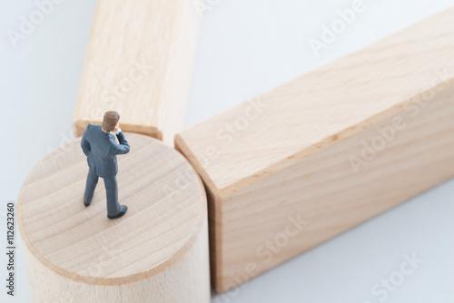 Fotografie, Obraz  ターニングポイントに立つビジネスマン