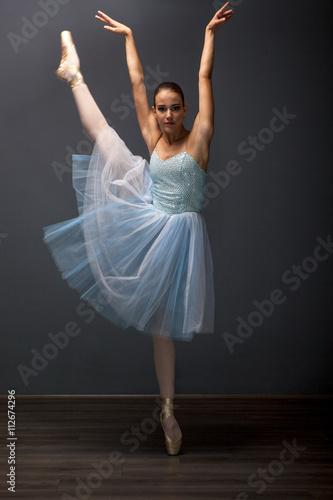 young ballerina in ballet pose classical dance Obraz na płótnie