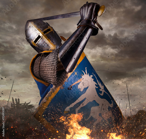 rycerz-w-bitwie-rosnie-z-mieczem
