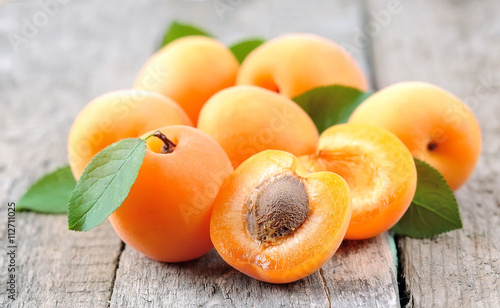Leinwand Poster Sweet apricots fruits