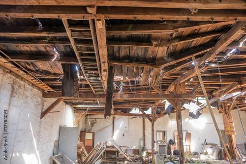 Fényképezés  Zerstörtes Dach