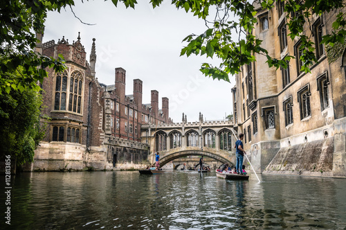 Canvas Print Bridge of sighs, Cambridge. View from the river.