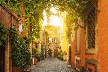 Stara ulica w Trastevere w Rzymie