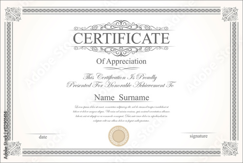 Photo  Retro vintage certificate or diploma template
