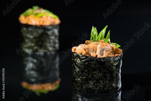 macro gunkan on a black background - 112905218