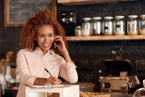 Fotografía  Talking cafe business