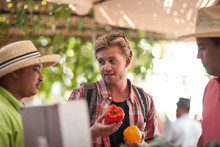 Tourist Bargaining With Market Trader