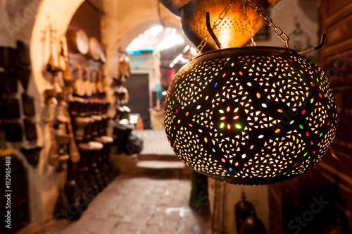 Papiers peints Maroc Lanten shop Marrakech souk.