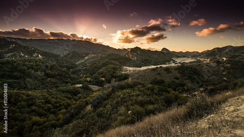 Foto auf Gartenposter Hugel Santa Monica Mountains and Malibu Creek State Park Sunset in California