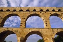 Roman Aqueduct, Pont Du Gard, Near Avignon, Provence, France