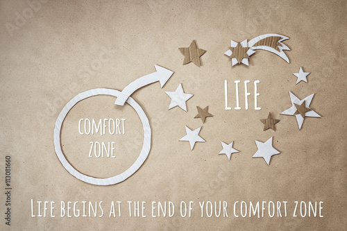 Fotografía  Inspirational quote and encouragement to leave your comfort zone