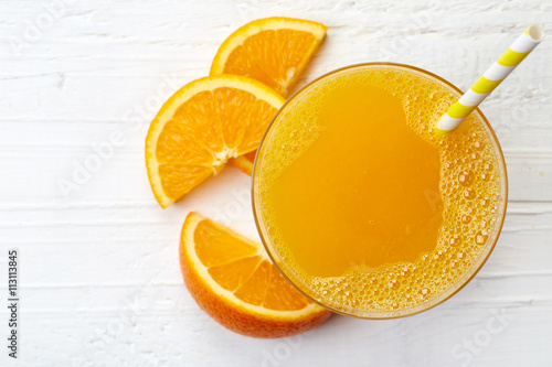 Keuken foto achterwand Sap Glass of fresh orange juice