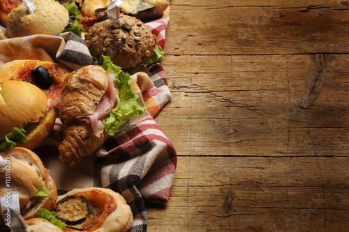 आहार-कक्ष Prasmanan 뷔페 బఫే Tiệc đứng 自助餐 Buffet Furšetas مقصف Bufet 食べ放題 Фуршет Speise Bufé ארוחה Buffetti מזנון maaltijd Buffé