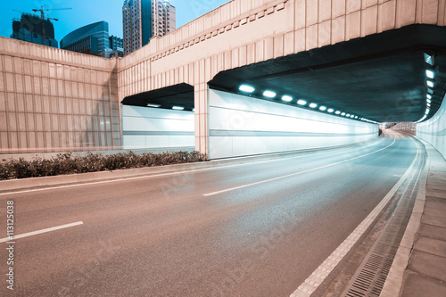 Foto op Plexiglas Tunnel City tunnel road viaduct of night scene