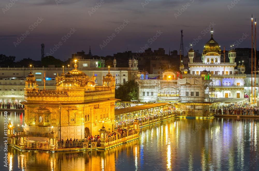 Fotografie, Obraz  Golden Temple (Harmandir Sahib) in Amritsar, Punjab, India