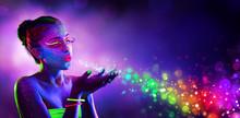 Neon Model Blowing Spectrum Li...
