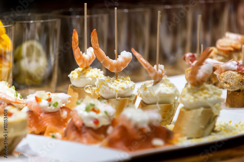 Typical pintxos (tapas) in San Sebastian Fototapet