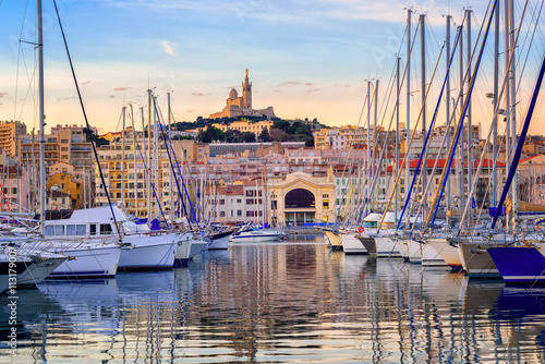 Photo Stands Ship Yachts in the Old Port of Marseilles, France
