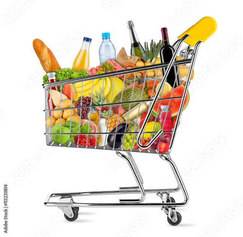 Crédence de cuisine en verre imprimé Assortiment shopping cart filled with fresh tasty food isolated on white background / EInkaufswagen gefüllt mit leckeren frischen Lenbensmitteln isoliert