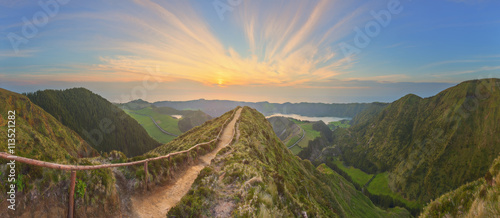 Fototapeta Mountain landscape with hiking trail and view of beautiful lakes, Ponta Delgada, Sao Miguel Island, Azores, Portugal obraz