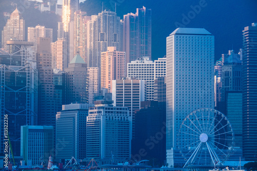 Stampe  Hong Kong's Victoria Harbour in sunrise