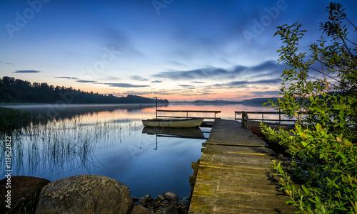 Papiers peints Lac / Etang Night lake landscape in Norway