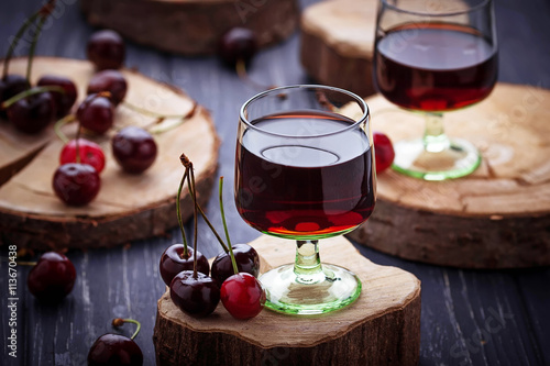 Slika na platnu Glasses of cherry liquor