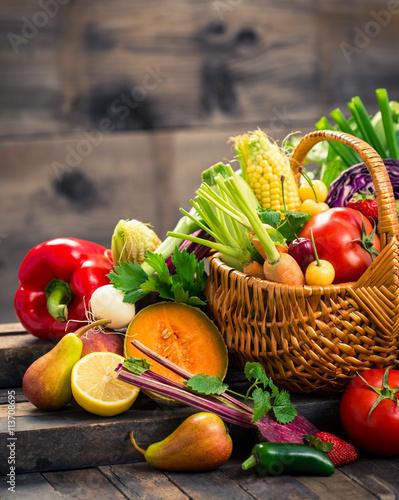 Staande foto Groenten Fresh fruits and vegetables in the basket
