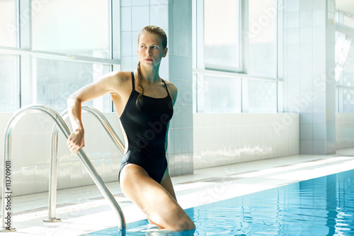 Attractive woman swimmer Canvas Print