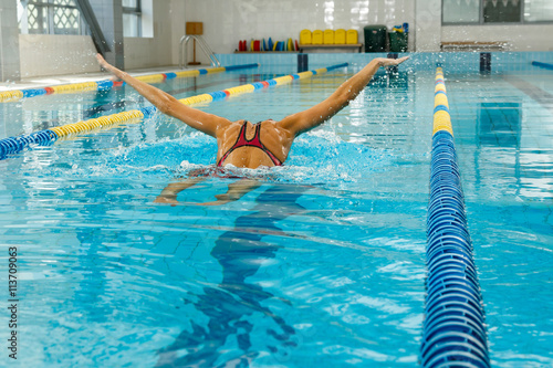 Photo  Swimmer in the pool