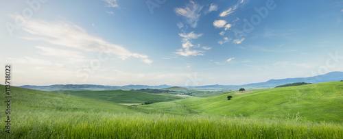 Foto op Plexiglas Pistache morning sky and view of valley in Tuscany in Italy