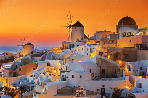 Photo  Oia at sunset