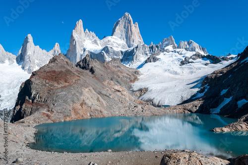 Crédence de cuisine en verre imprimé Reflexion La vetta del monte Fitz Roy, in Patagonia
