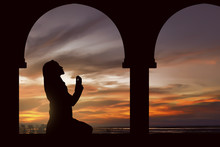 Silhouette Of A Women Praying ...