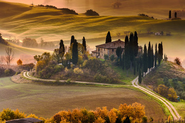 FototapetaTuscany Farmhouse Belvedere at dawn, San Quirico d'Orcia, Italy