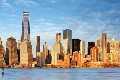 Lower Manhattan skyscrapers and One World Trade Center, New York плакат