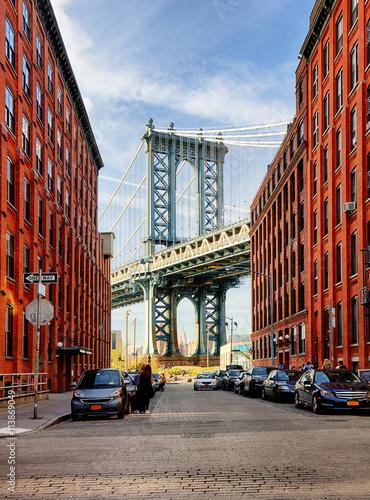 Manhattan Bridge from an alley in Brooklyn, New York