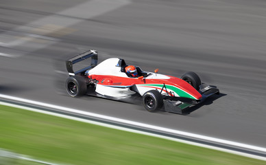 FototapetaFormula 2 racing car