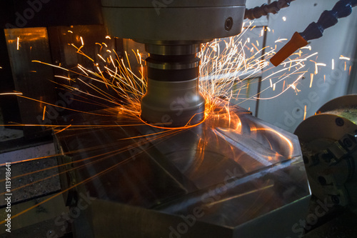 Carta da parati Heavy milling with sparks
