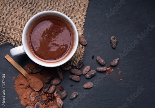 Foto op Plexiglas Chocolade Hot chocolate on the black background
