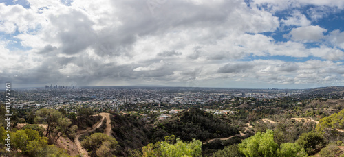 Photo sur Aluminium Los Angeles Los Angeles skyline in San Fernando Valley