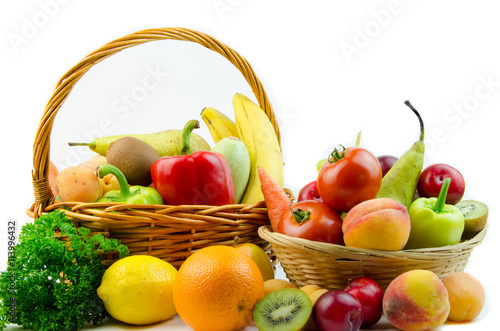 owoc-i-warzywo-na-bialym-tle