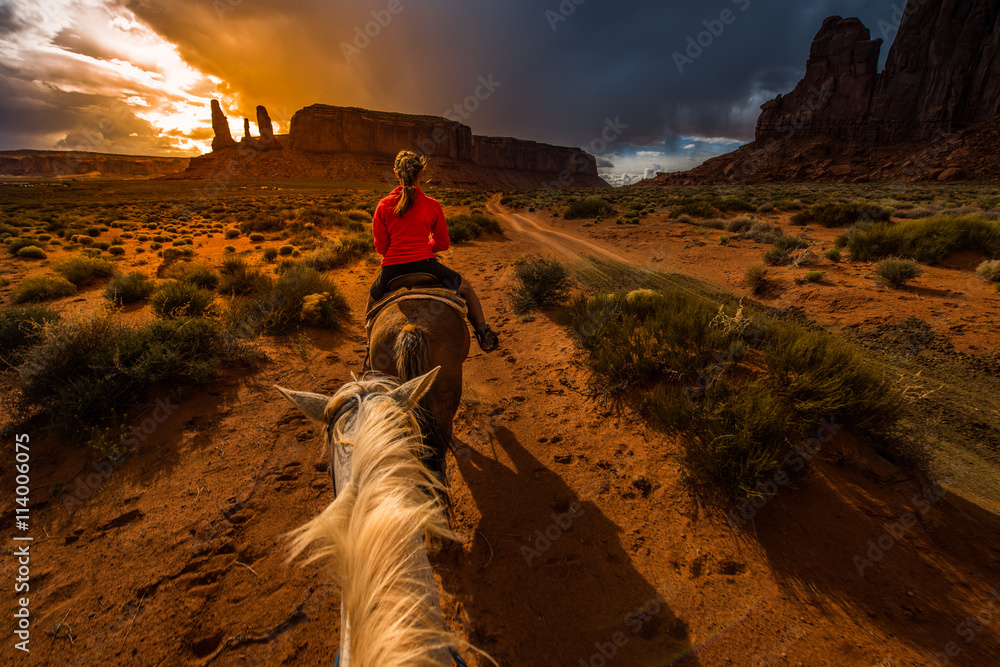 Fototapety, obrazy: Monument Valley Horseback Riding